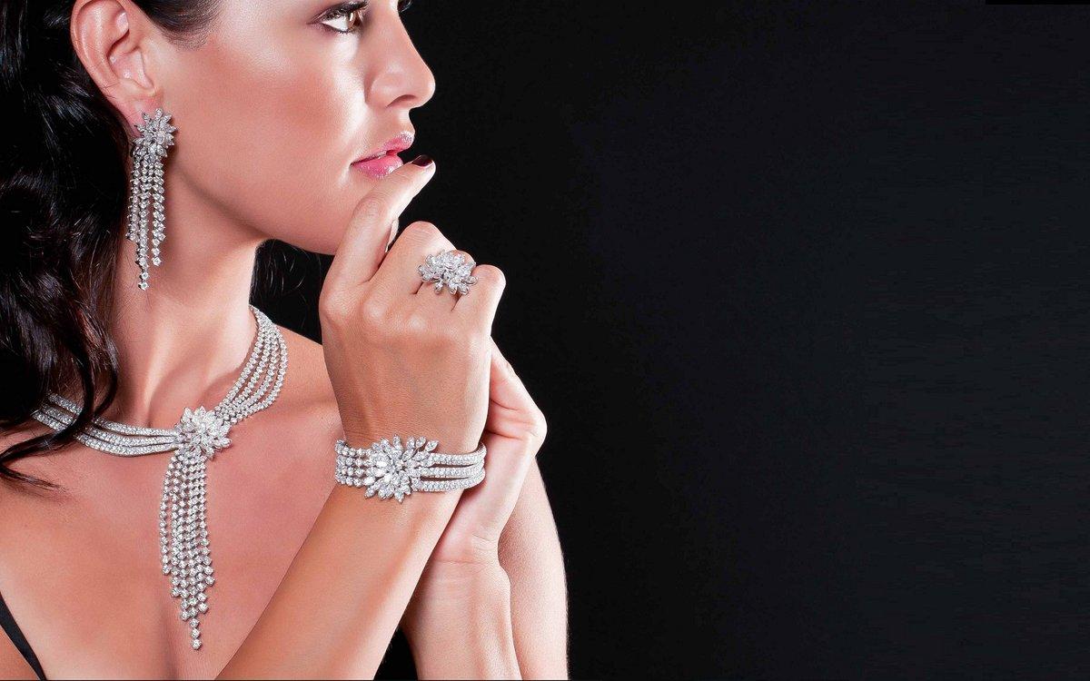 Вдвоем, картинки с ювелирными украшениями на женщинах