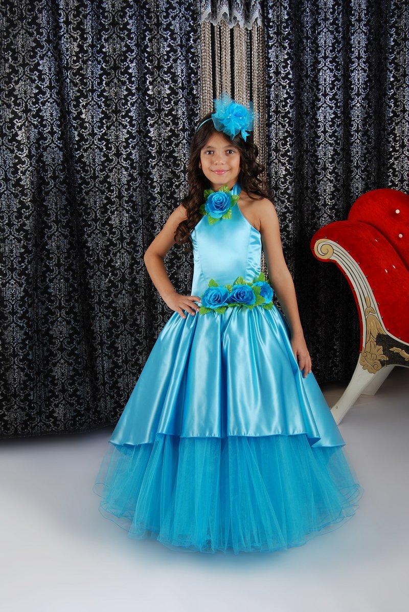 В Ташкенте на фестивале показали детские нарядные платья