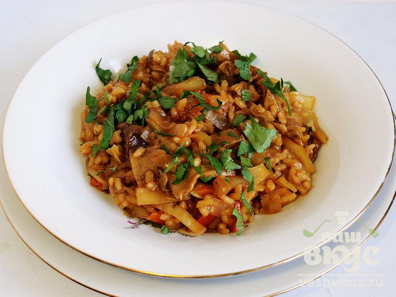 рис тушеный с мясом и капустой