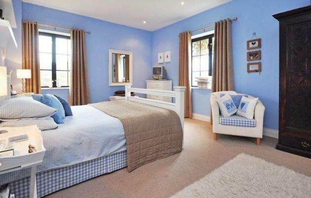 Спальня в голубых тонах позволит создать органичный современный, морской или прованский дизайн.