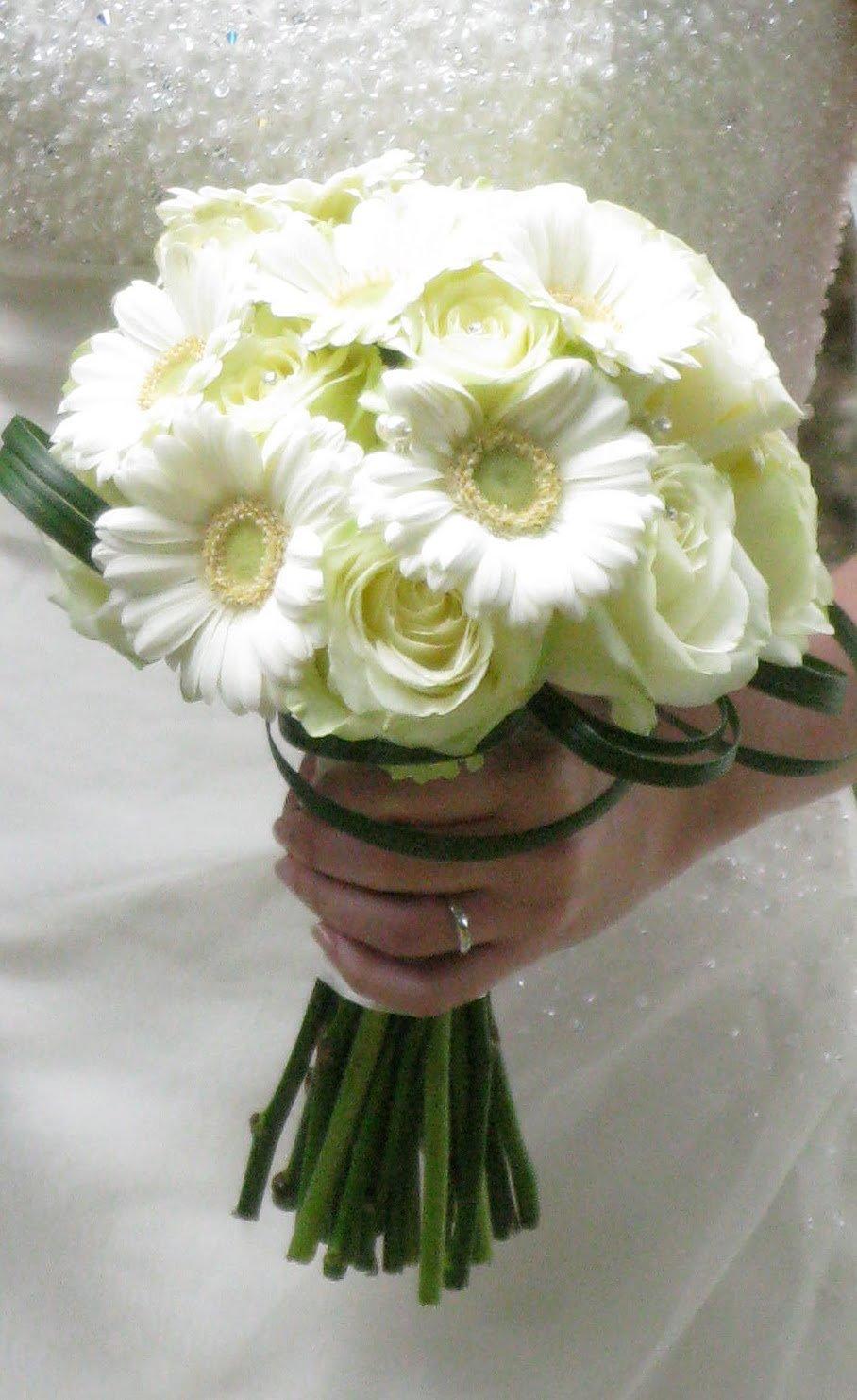 Свадебный букет белая герберы фото