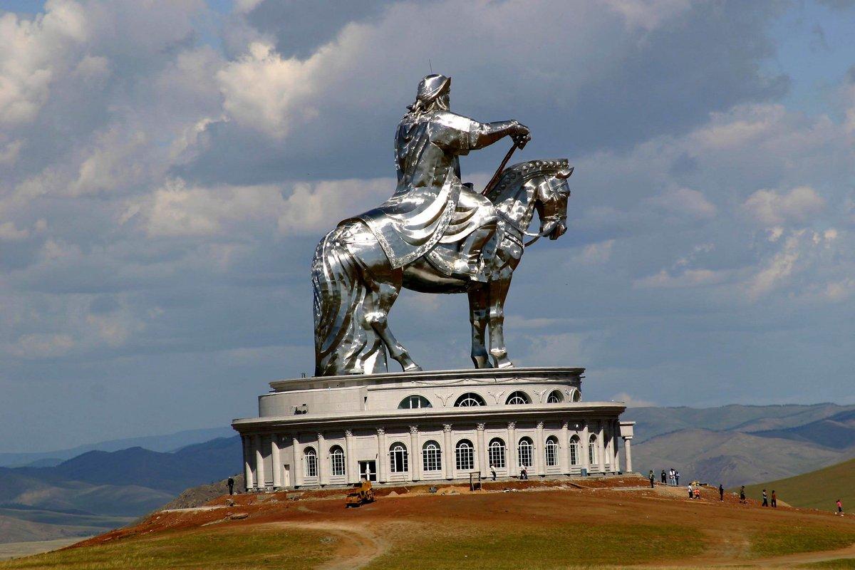 содержит памятник чингисхану в монголии фото съемка представляет собой