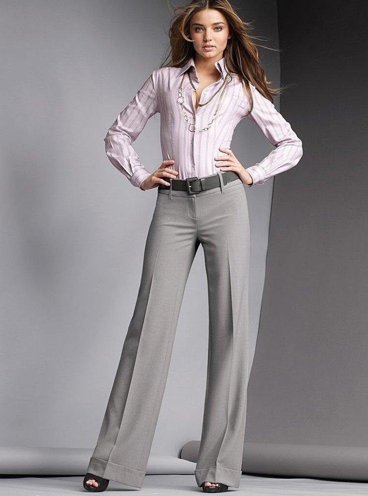 красивая девушка в брюках это чувствую всем