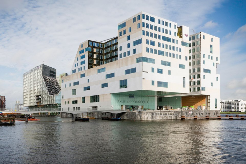 role of new amsterdam on contemporary