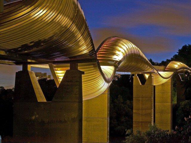 Необычный мост Хендерсона в Сингапуре