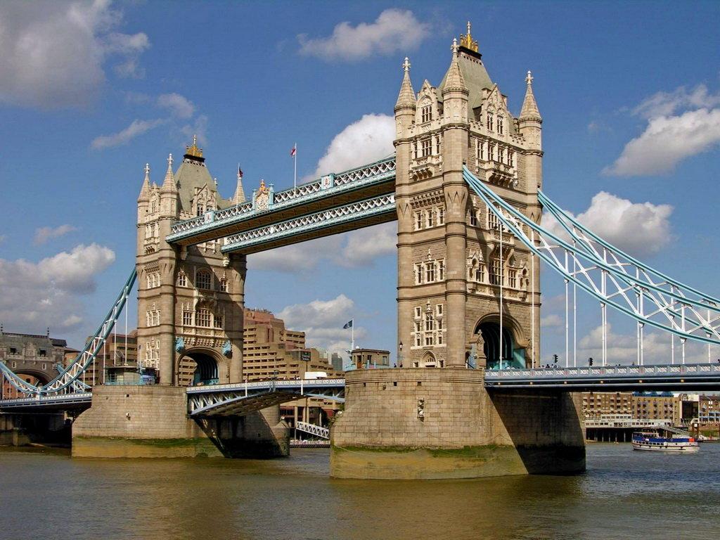 Картинки по запросу 1894 - Открыт самый знаменитый лондонский мост — Тауэр бридж.