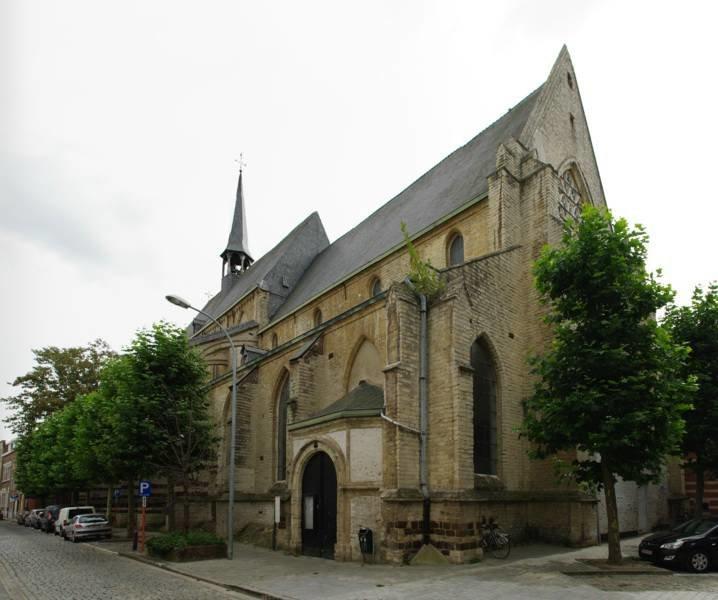 Доминиканская церковь Богоматери – самая старая готическая церковь Левена и один из первых готических храмов в Бельгии. В наше время эта величественная церковь больше не используется по прямому назначению: с 2008 года в ней устроен зрительный зал культурного центра Левена