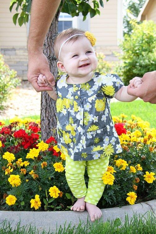 Как сшить для малышей своими руками пару леггинсов? Подробный мастер класс с пошаговыми фото сделает процесс легким и увлекательным! Попробуем вместе?
