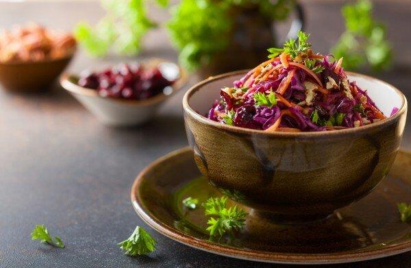 Рецепт овощного салата в азиатском стиле. Он станет отличным дополнением к мясным и рыбным блюдам.