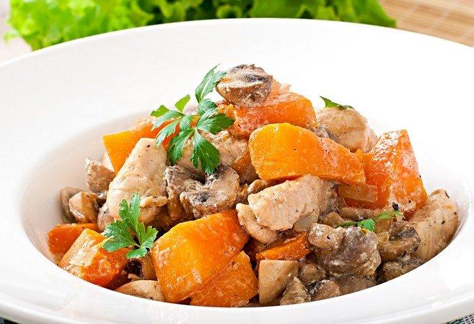 Курица с тыквой и грибами. Готовим дома вкусную курицу с тыквой и грибами. Рецепт приготовления курицы с тыквой и грибами. Как приготовить курицу с тыквой и грибами.