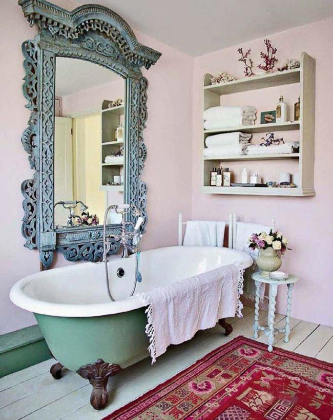 Стиль шебби шик  делает ванную комнату светлой и красивой