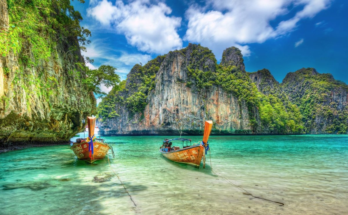 summet island in thailand The island of the white beaches short facts in thai language: เกาะเสม็ด the name means: island of the cajeput tree distance from bangkok: about 220 kilometers.