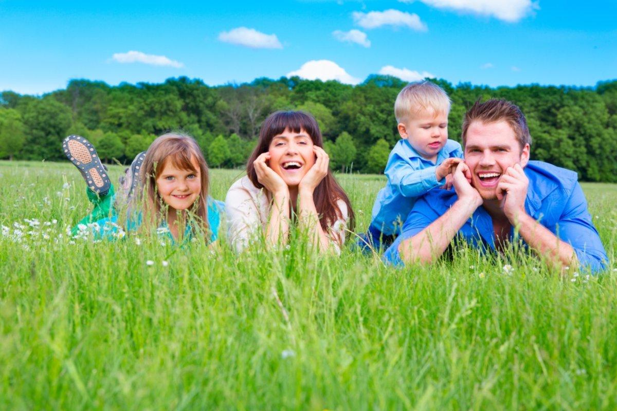 картинки семья под небом для