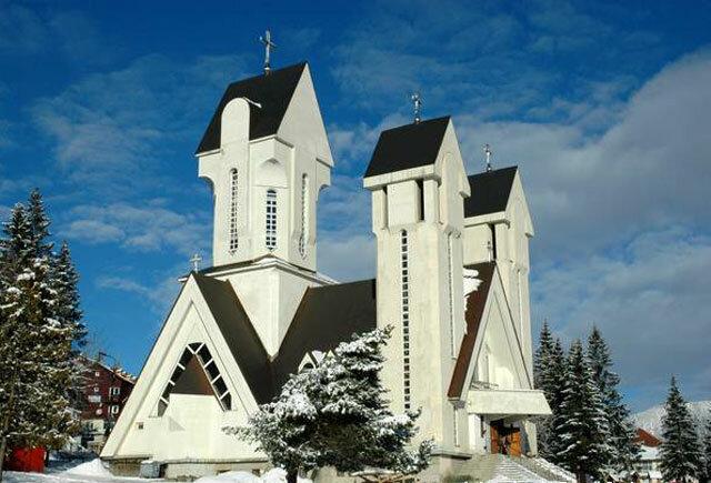 Церковь в курорте Предял.