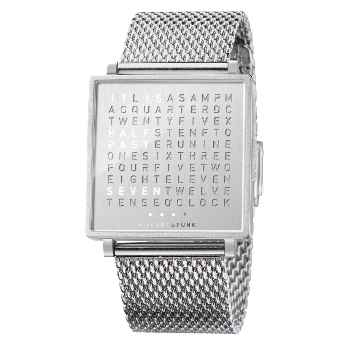 Как мы уже выяснили, дизайнеры давно смирились с тем, что далеко не каждому из нас нужны часы на запястье.