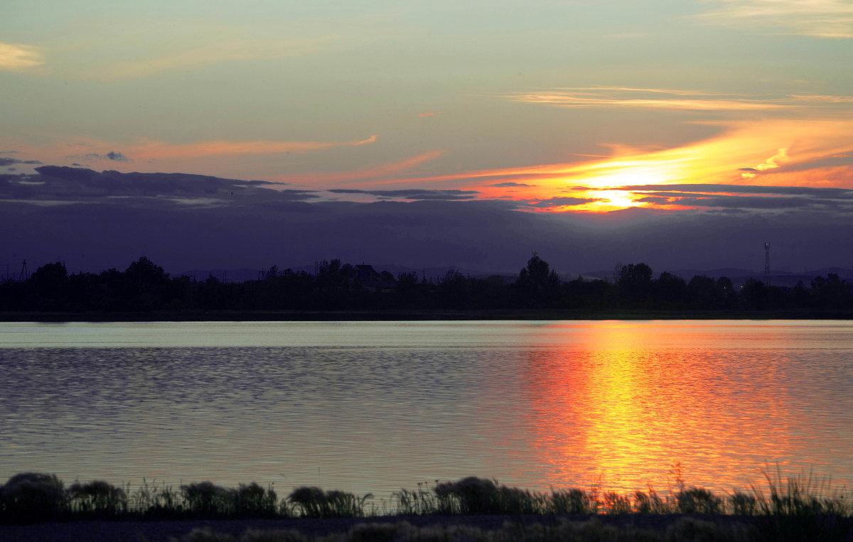 днём рентгенолога смотреть картинки озера при закате древний традиционный праздник