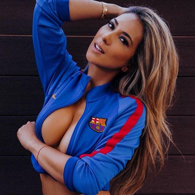 Жены футболистов ню огромных членов