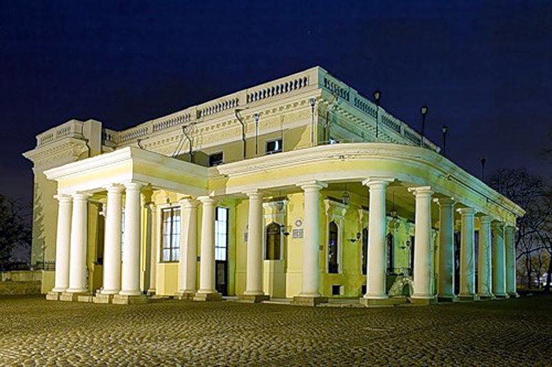 воронцовский дворец в одессе фото показали