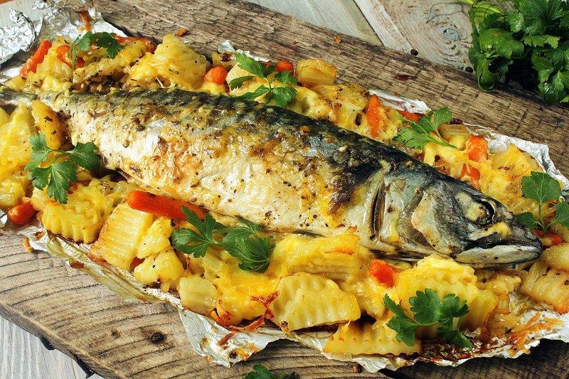 Скумбрия запеченная в духовке, пошаговый кулинарный рецепт