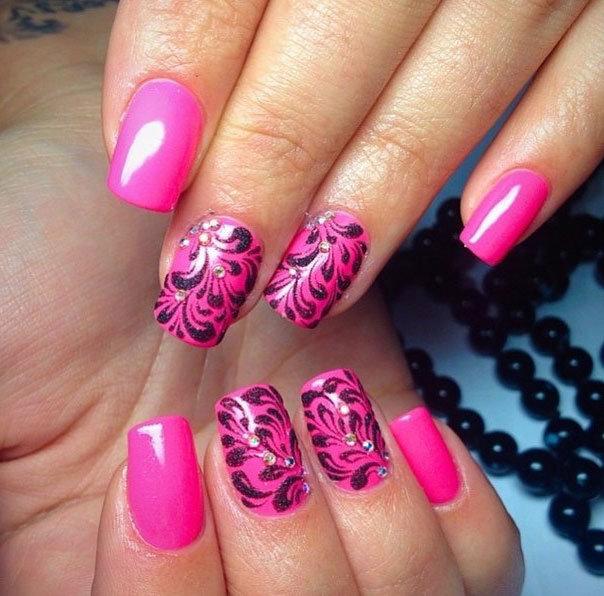 Здесь представлена подборка - розовый маникюр фото самые красивые. Розовый - самый женственный и нежный цвет.