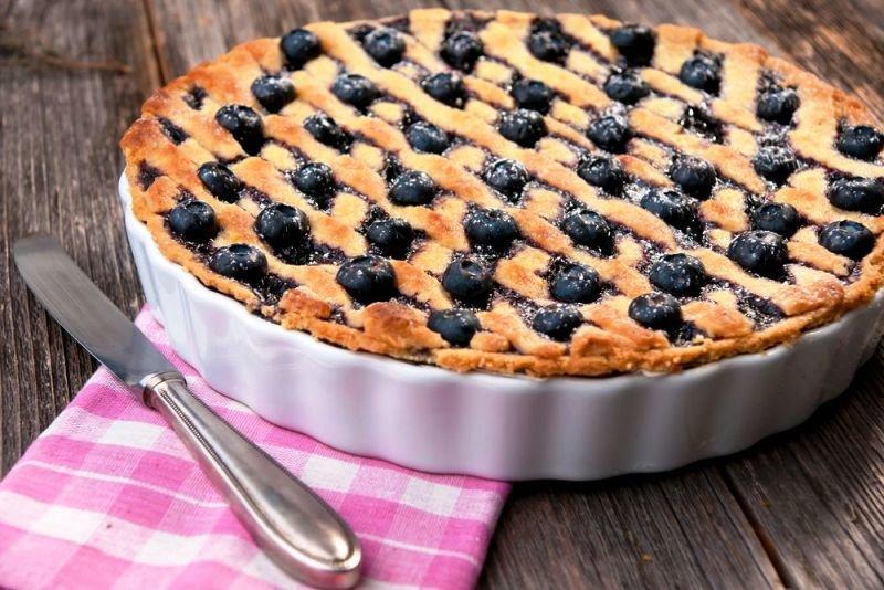 Из всех вариантов пирогов я больше всего люблю печь дрожжевые — все-таки есть в них какая-то особенная душа!