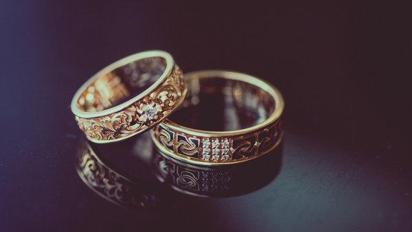c647efcc74e5 Свадебные кольца – это символ любви молодожёнов и память на всю жизнь о  бракосочетании. Тот