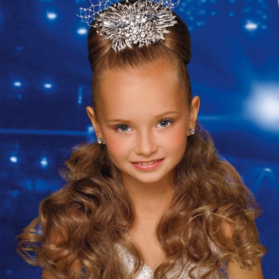 Причёски на длинные волосы для девочек картинки