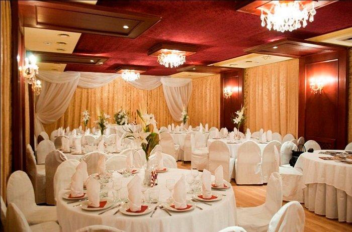 Рассказываем, как можно оформить свадебный зал своими руками - только современные решения