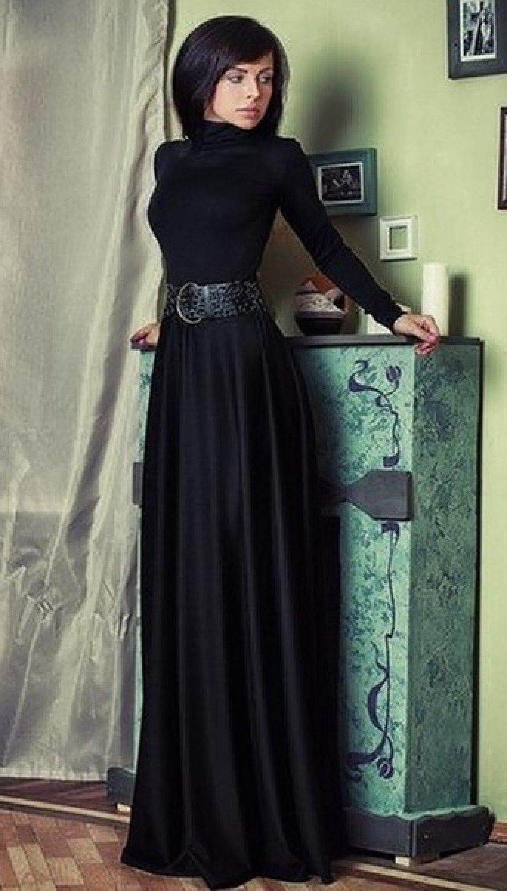 5eab35bd598409b ... Черное платье в пол из трикотажа с высоким воротничком и длинными  рукавами