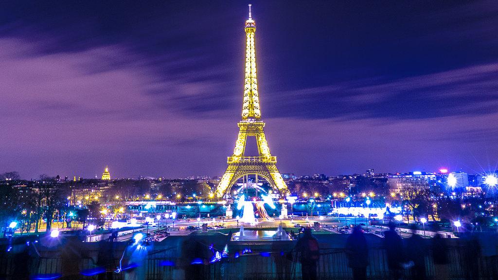 Картинки эйфелевой башни в париже ночью, букеты картинки пожеланиями