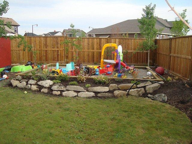 Фото примеры оформления детских площадок своими руками. Фото самодельных детских площадок на даче.