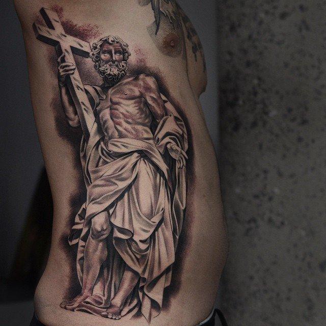 религиозные тату фото на боку кронциркулем