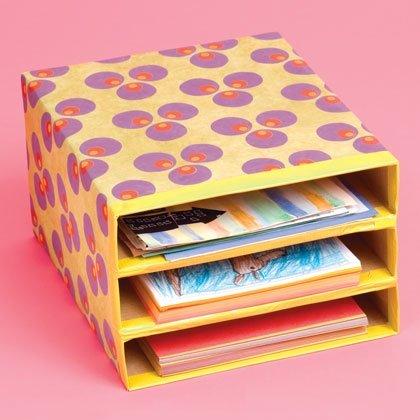 полочки для рисунков, альбомов и цветного картона