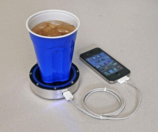 Зарядное устройство, работающее от температуры напитка