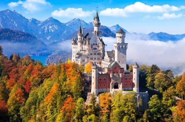 замок за границей цены горле фоне