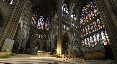 кафедральный собор сент-этьен витражи