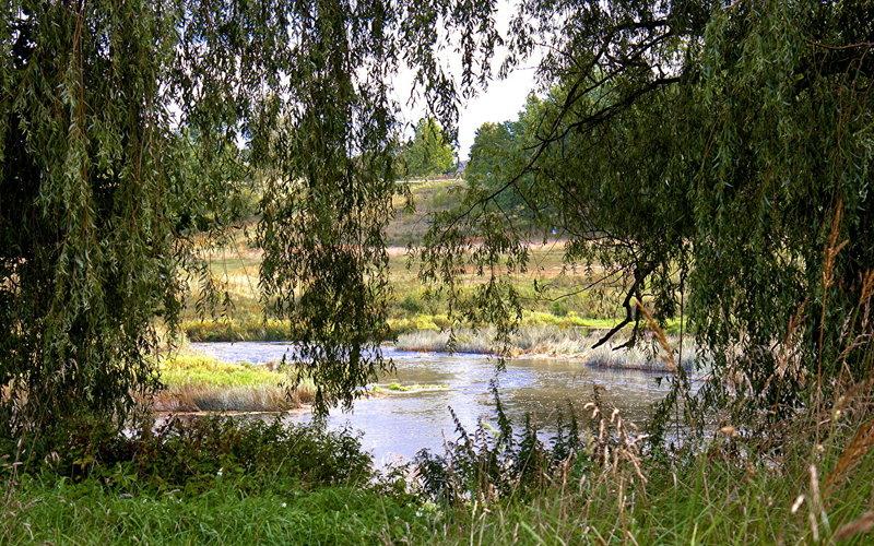 Латвия картинки (21 фото) скачать обои Обои Речка Латвия Кулдига Природа