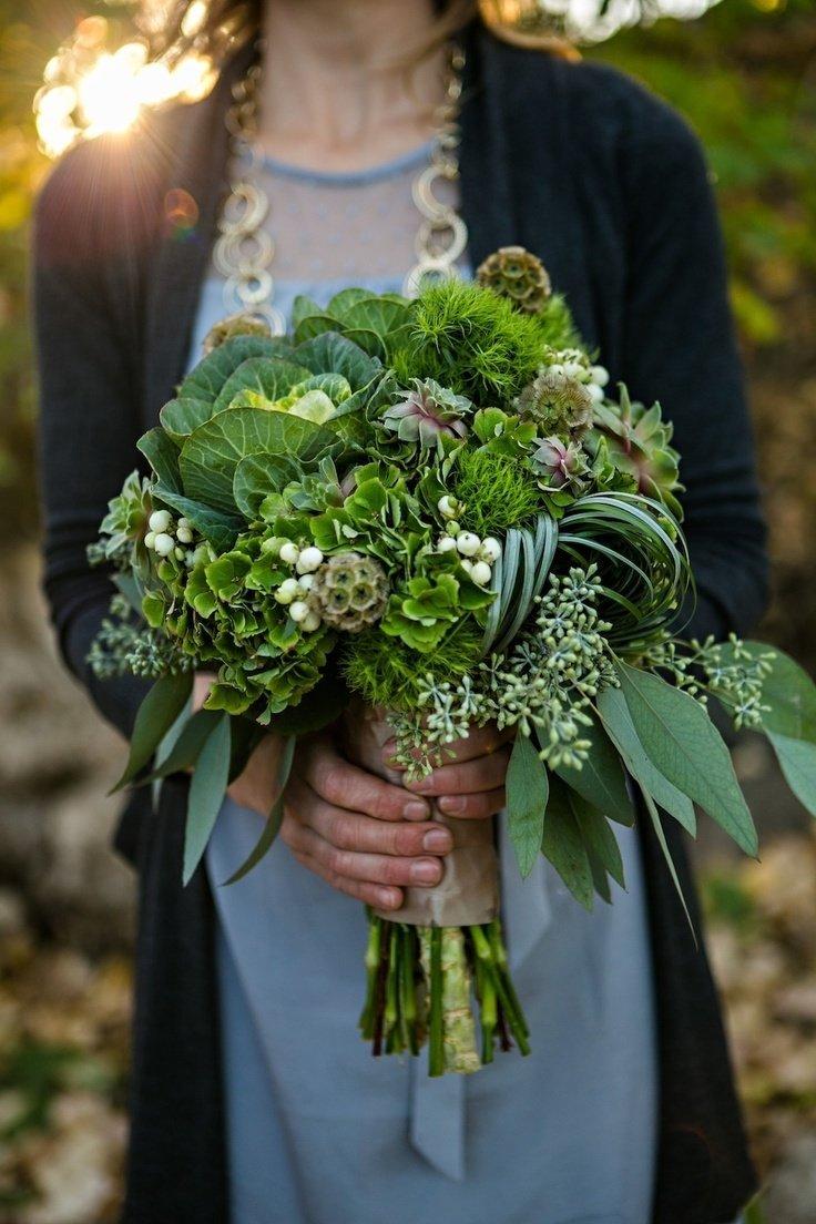 Живой цветок, букет с травой