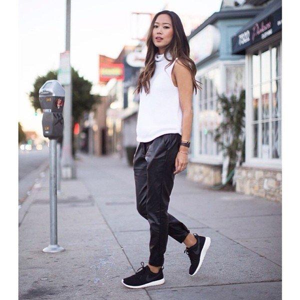 Спортивная одежда 2017  модная женская одежда в повседневном ... Появилась  даже спортивная обувь a2336660672