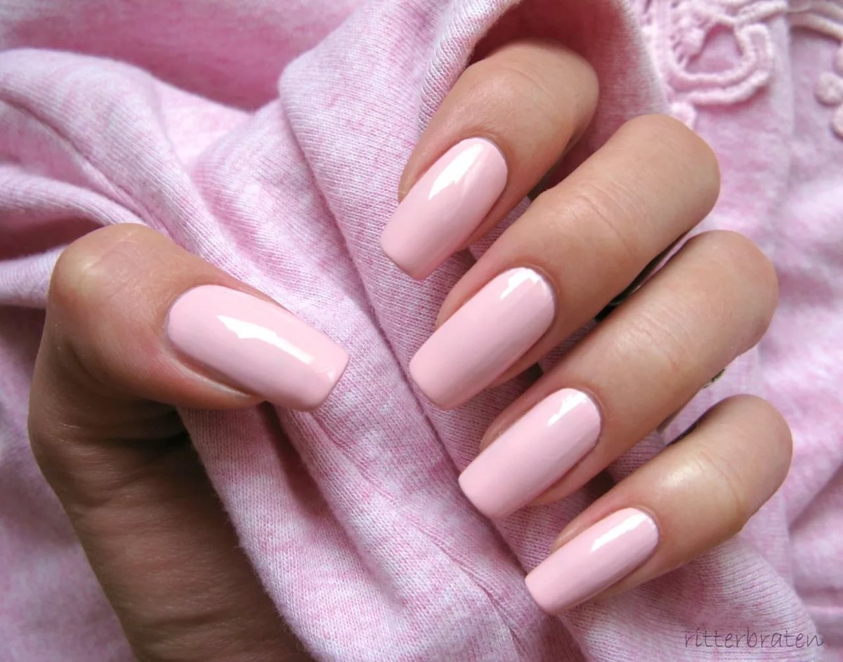 light pink nails - 1000×743
