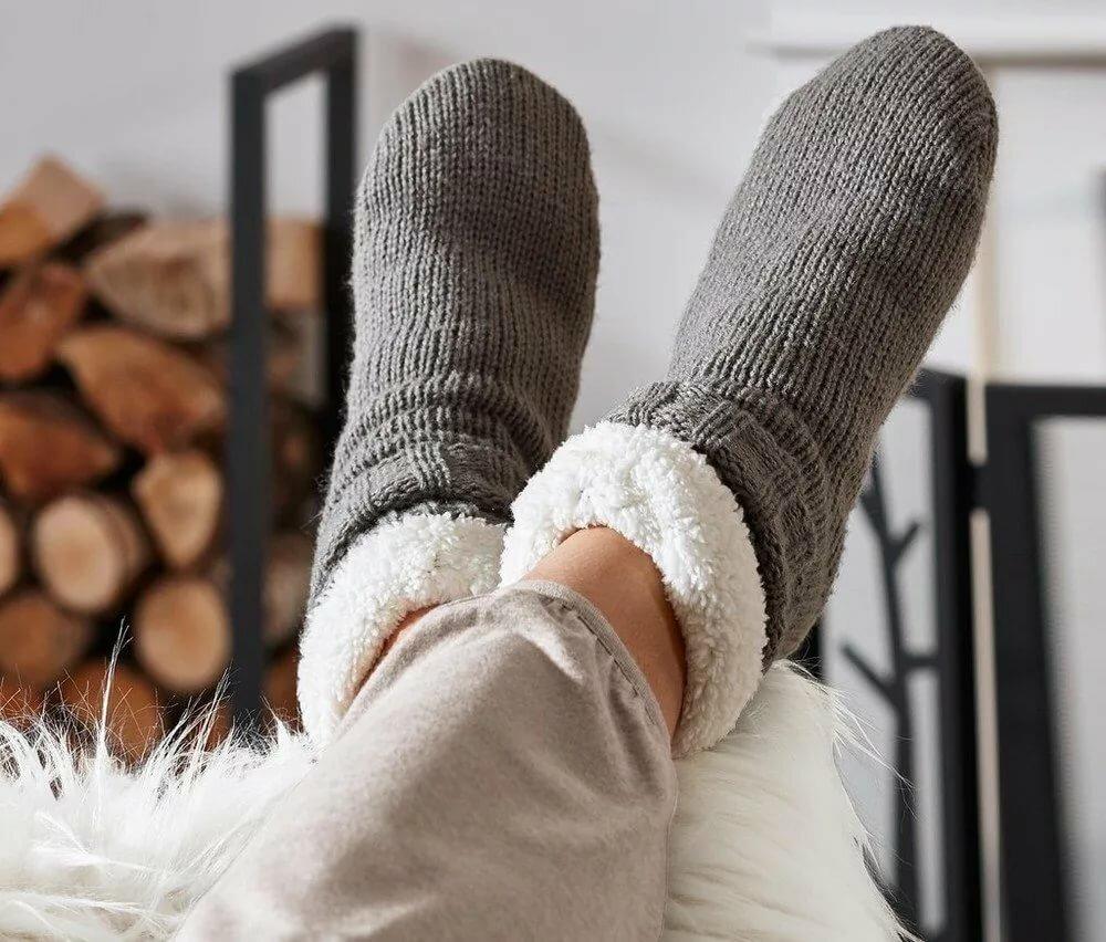 фото в носках шерстяных квартиру вторичку недорого