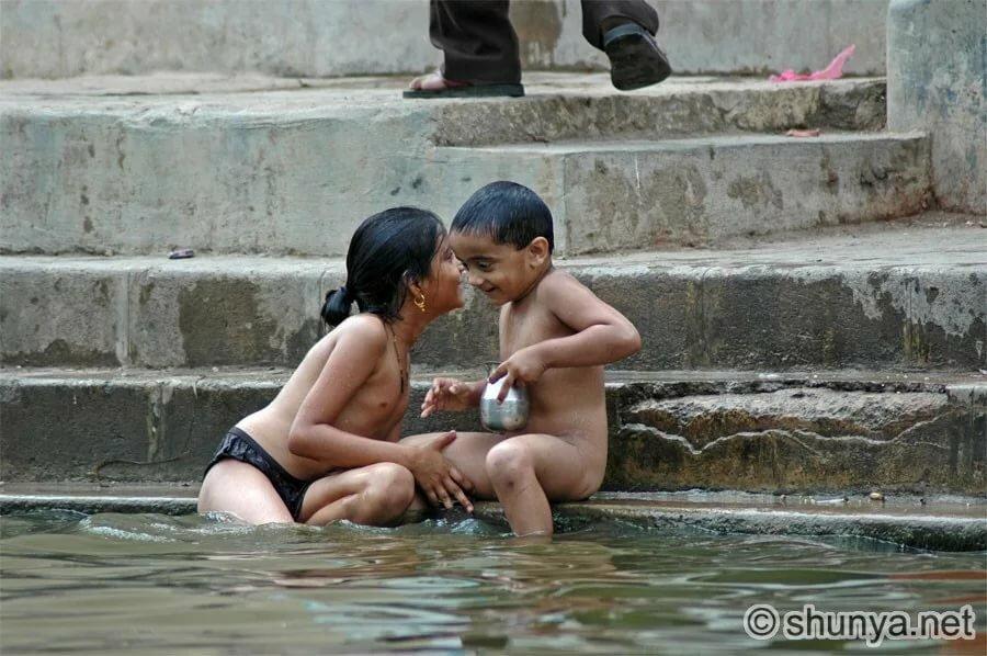 Thai women bathing naked