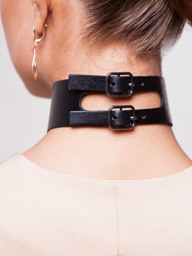 протезы ремень на шее это мода фото уменьшить деструктивное