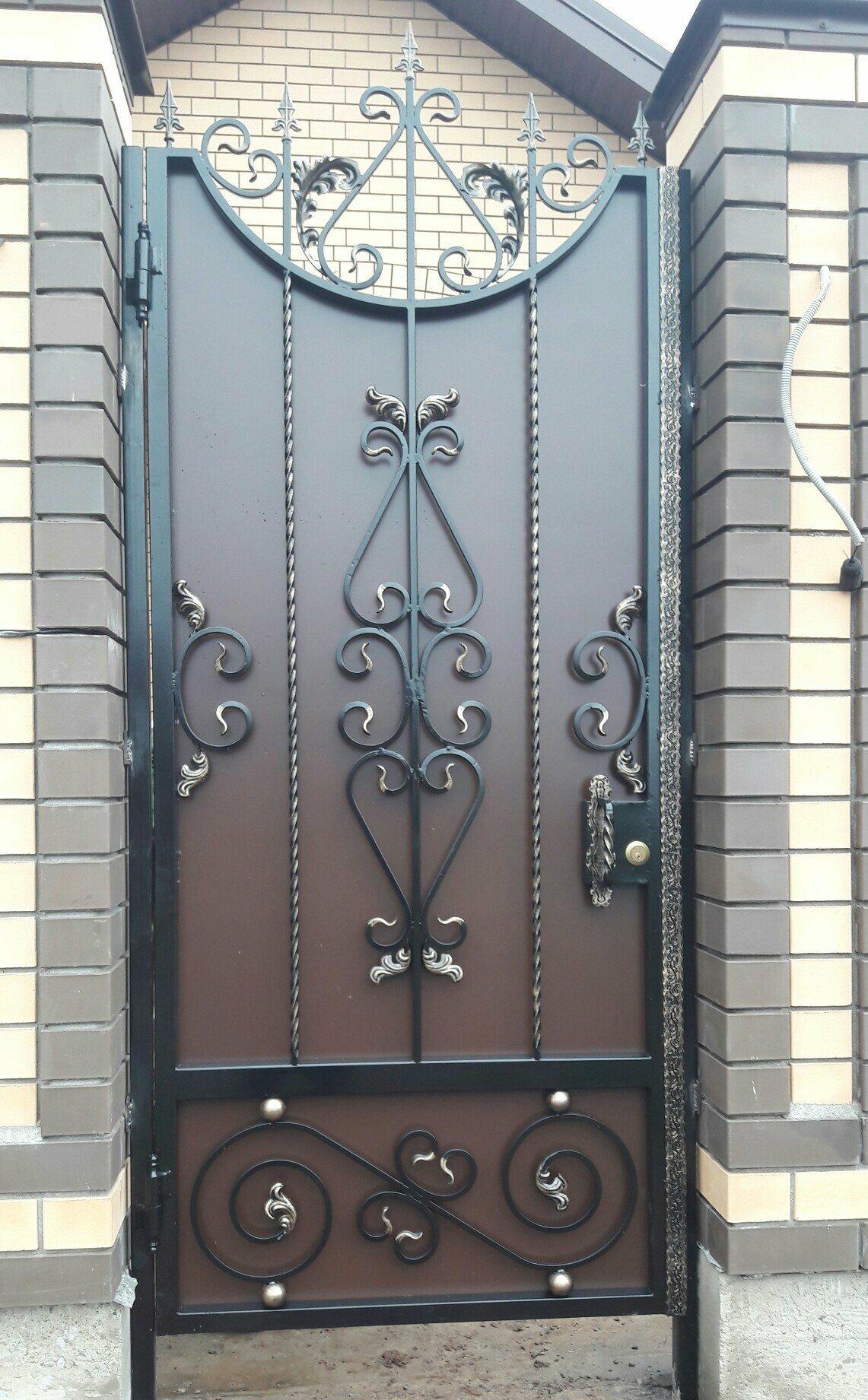 фото кованые узоры на ворота и двери словам