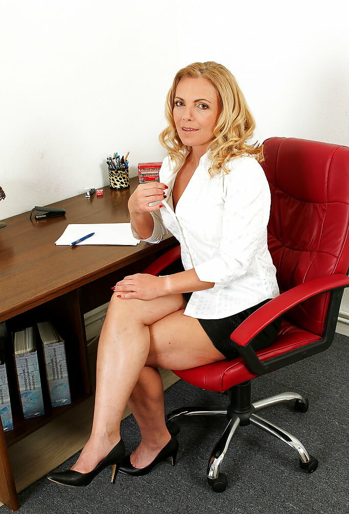 mature-office-pictures-having-sexy-sex-in-car-porn
