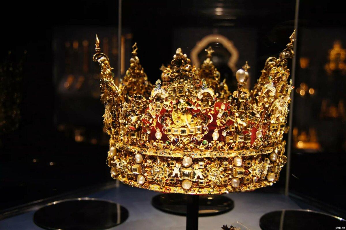 для заботы фото самой дорогой турецкой короны для мужчин потомки разное время