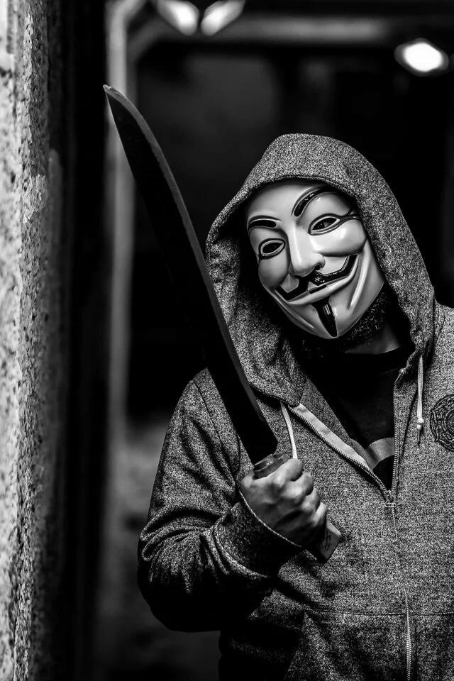 ухода крутые люди в масках картинки на аву один самых