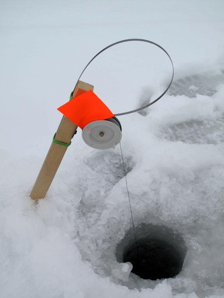 Техника ловли на зимние жерлицы
