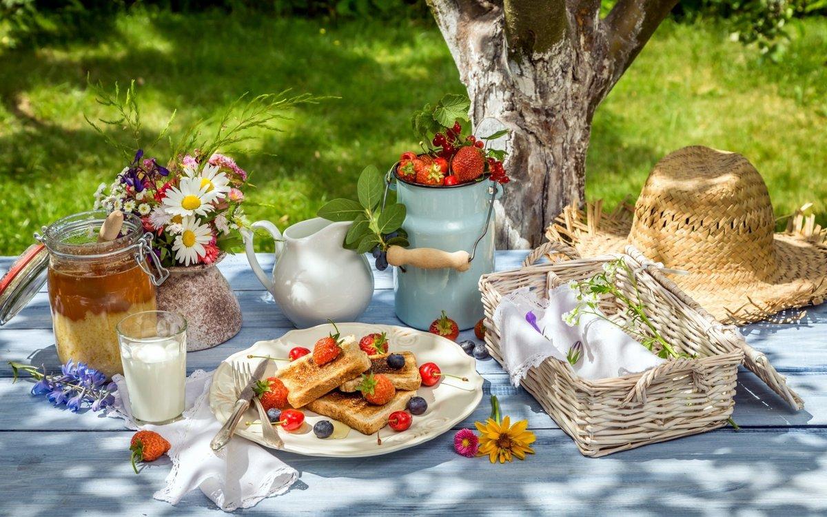 Рабочий, открытки завтрак в саду