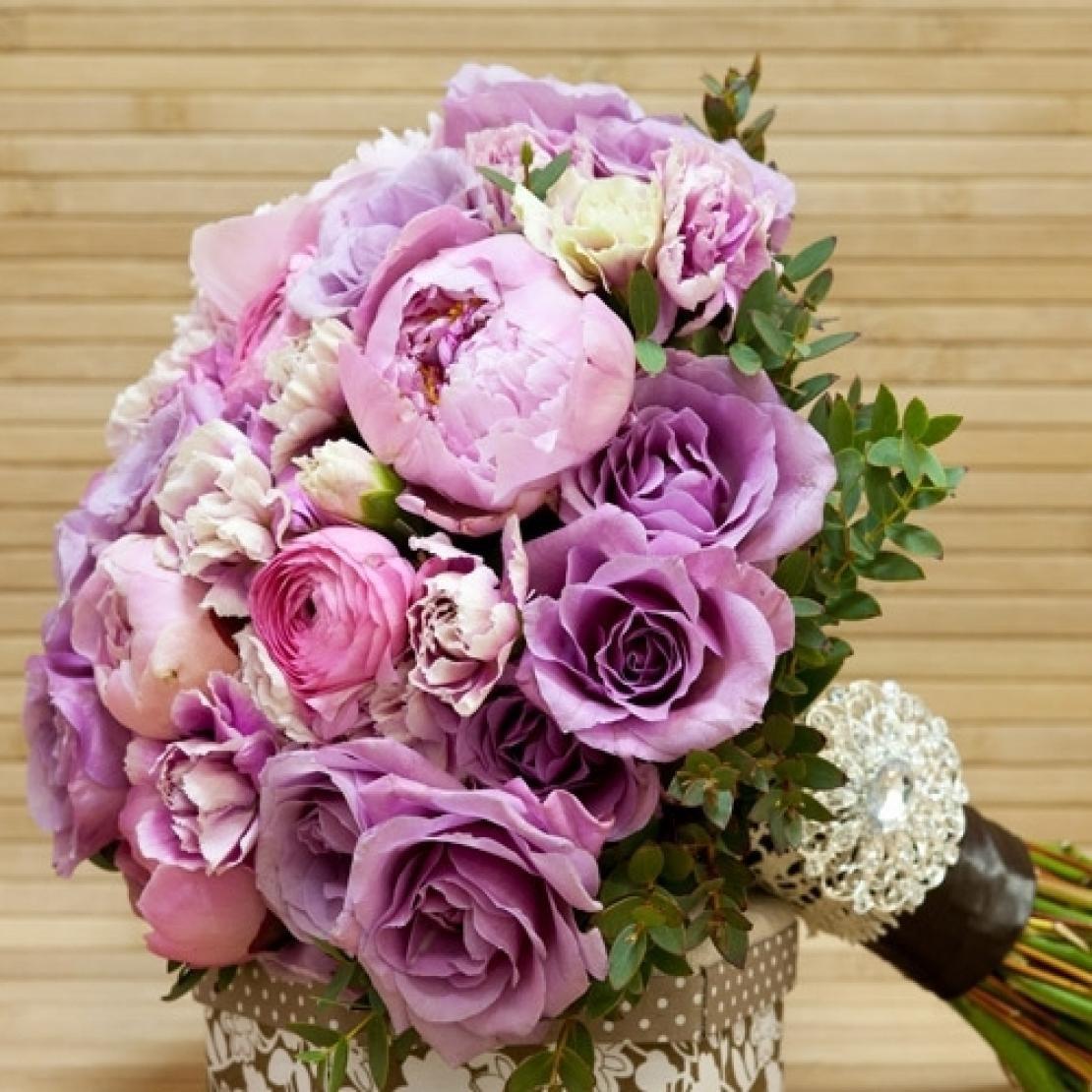 Цветы букеты, сиреневый букет невесты с пионами